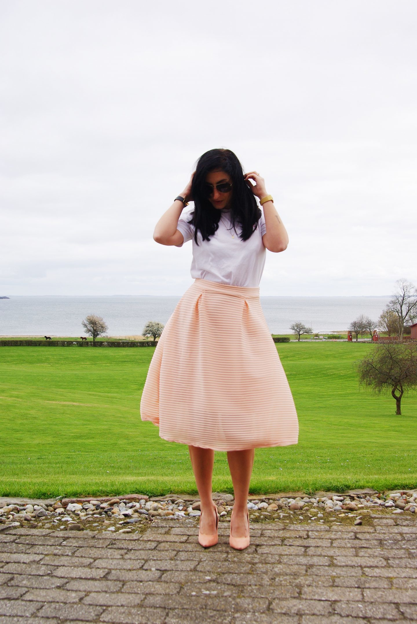 midi skirts outfit wedding