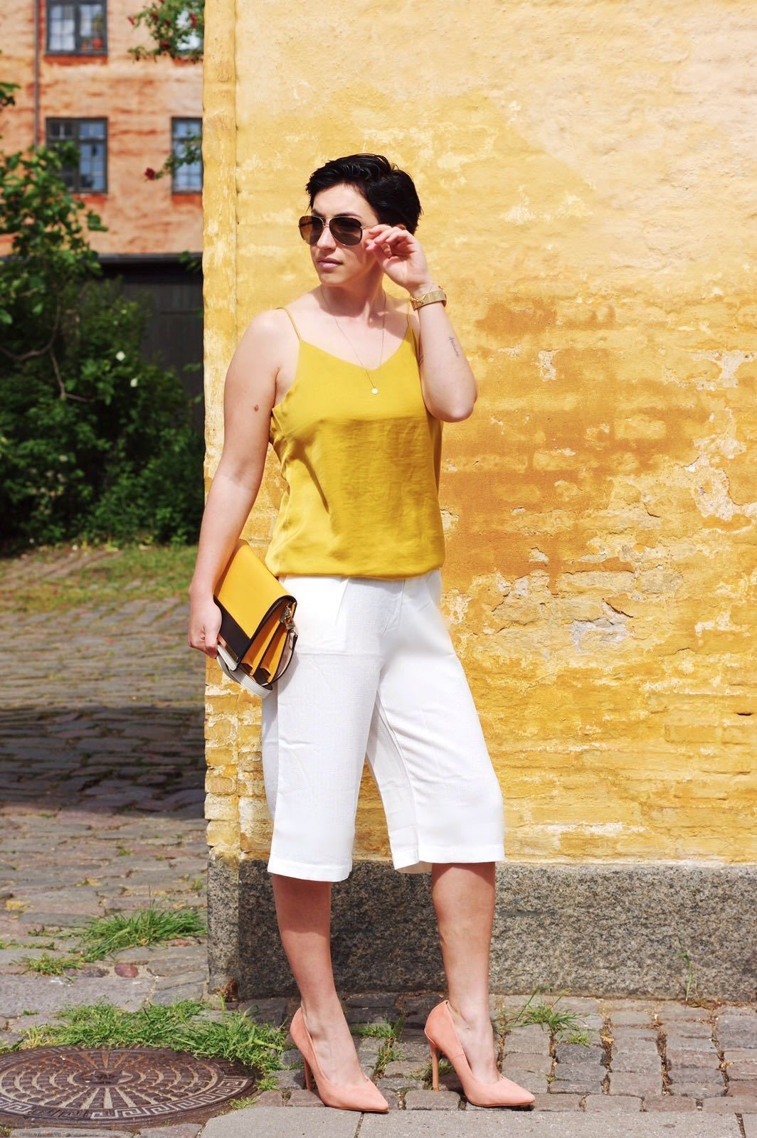 Summer Fashion, white pants