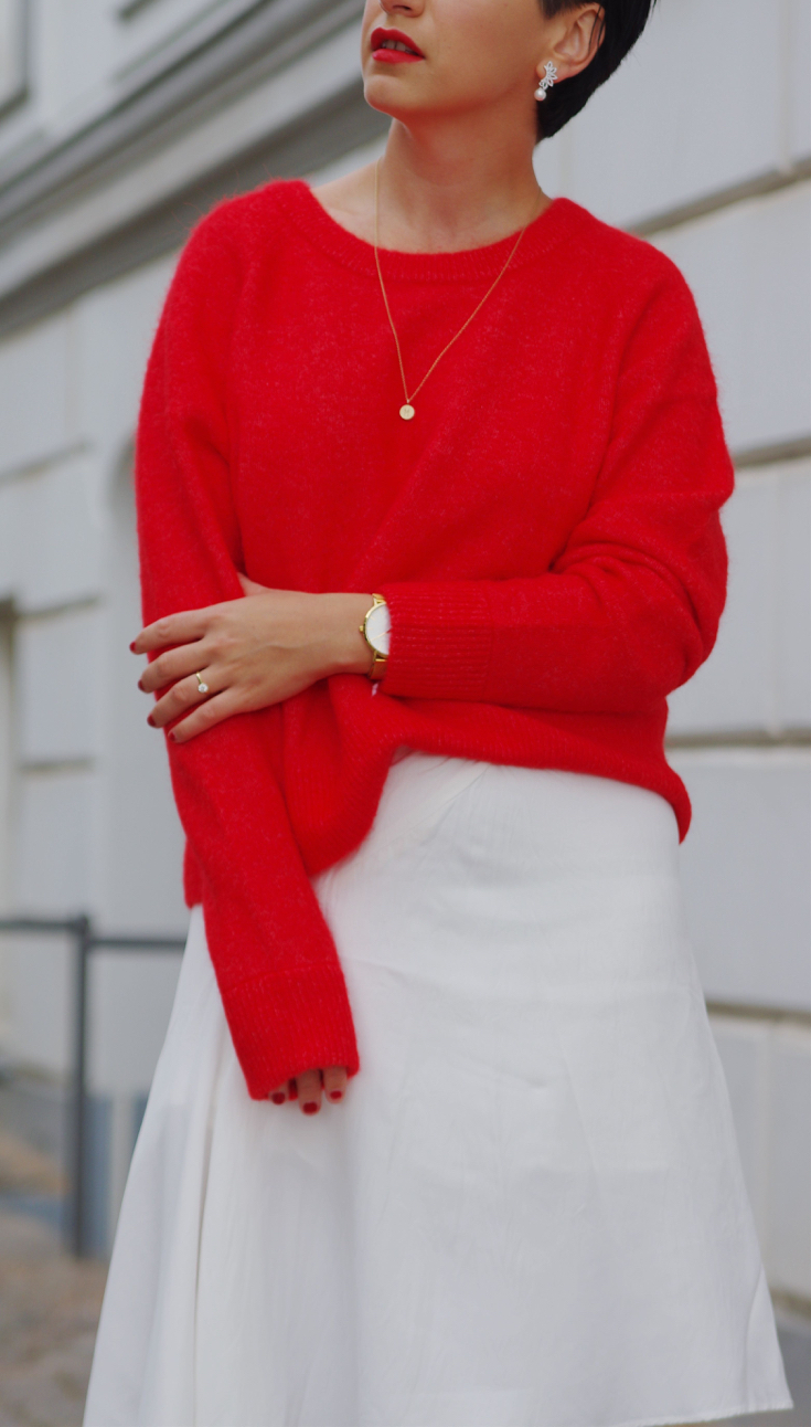 Red Sweater and white skirt Outfit Scandinavian Copenhagen Streetstyle 2