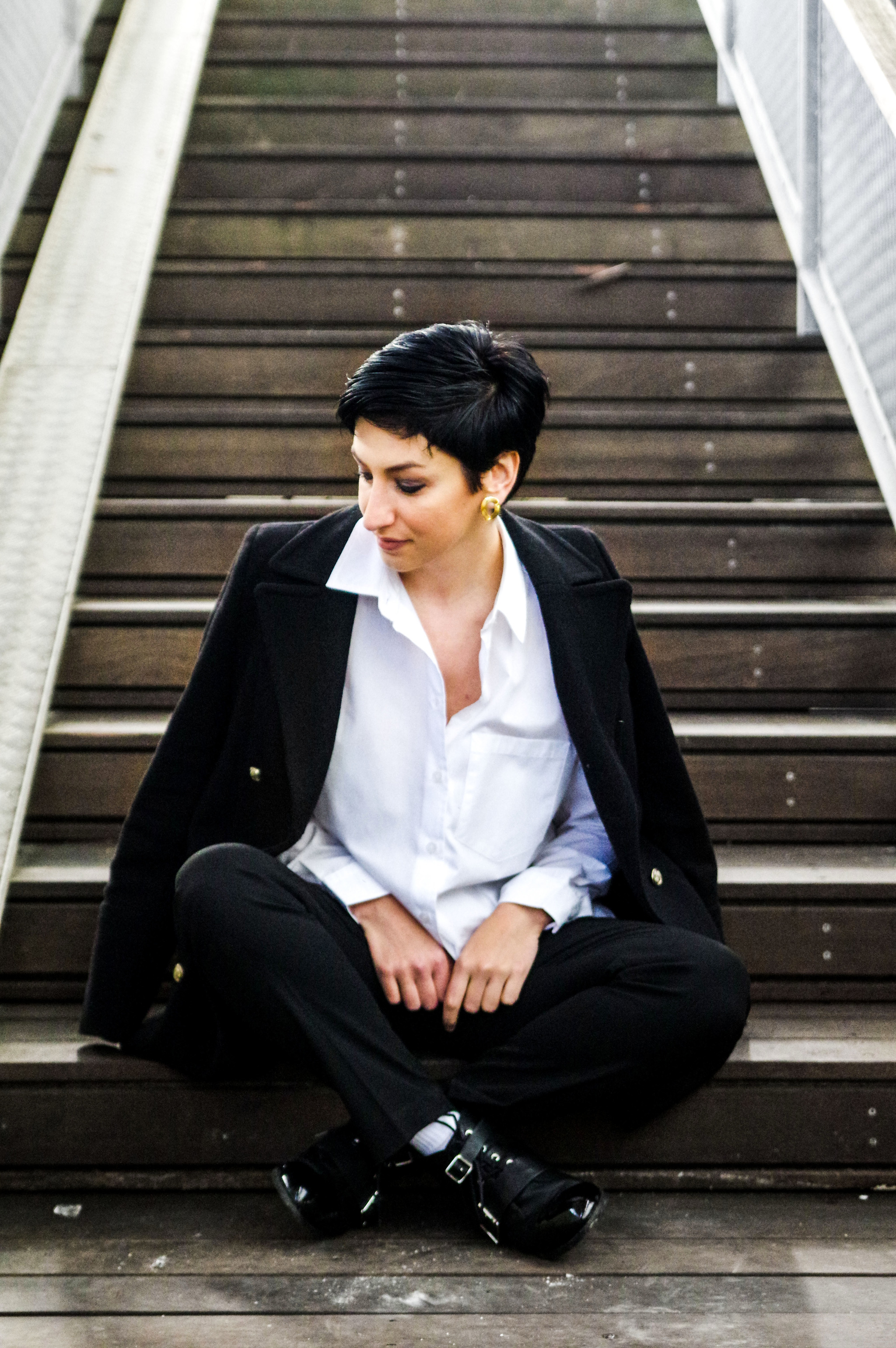white shirt, black trousers, work wear, mens wear on women, short hair, holiday outfits