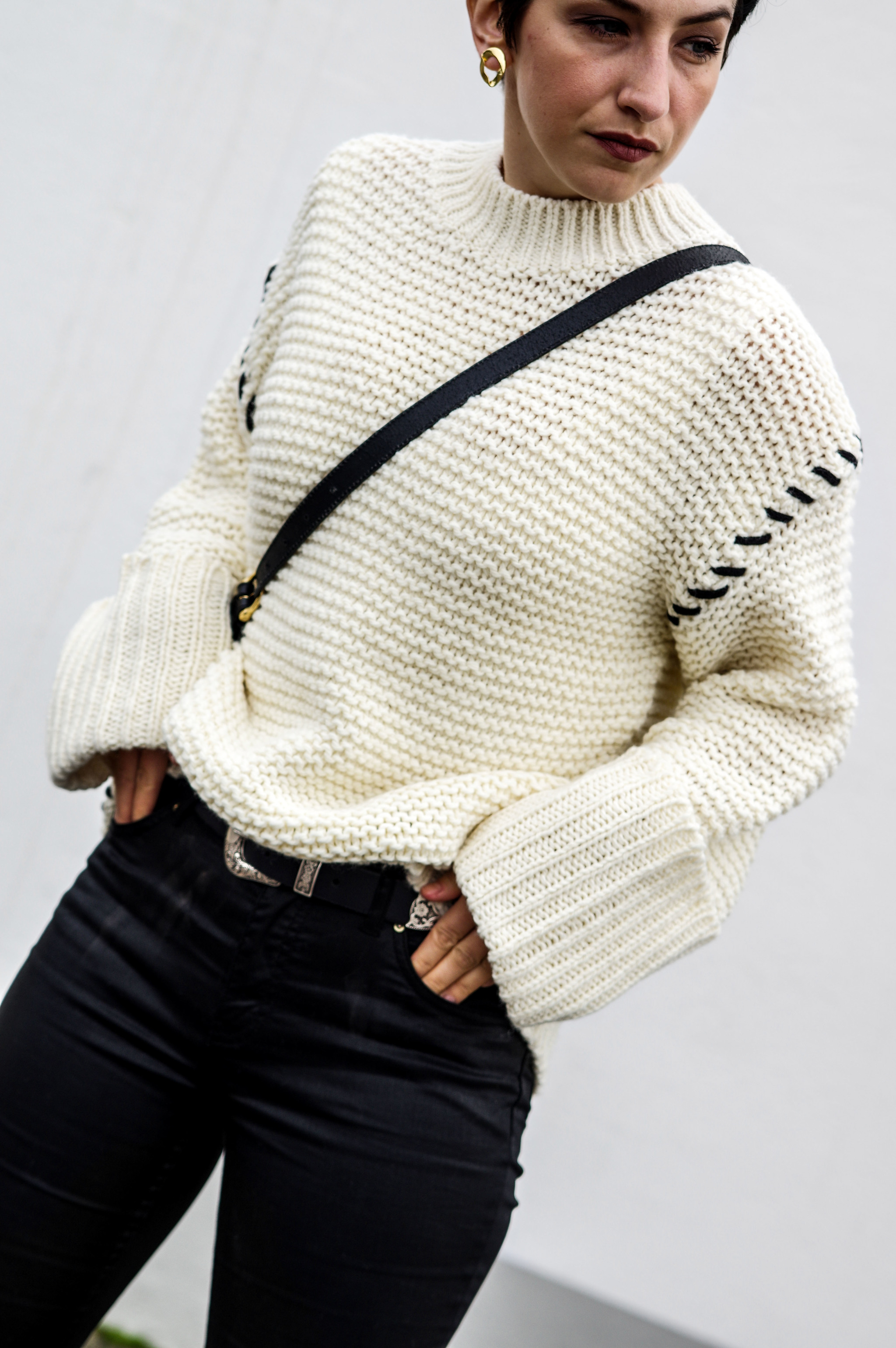 white sweater topshop, holiday outfits, fall winter fashion winter style women fashion