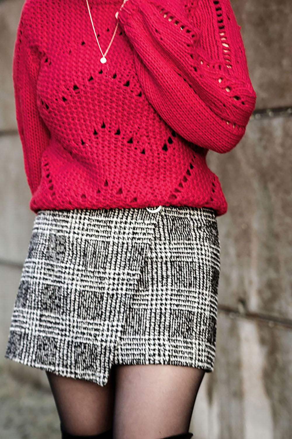 red sweater , sweater for winter, winter fashion, outfit for winter, scaled copy