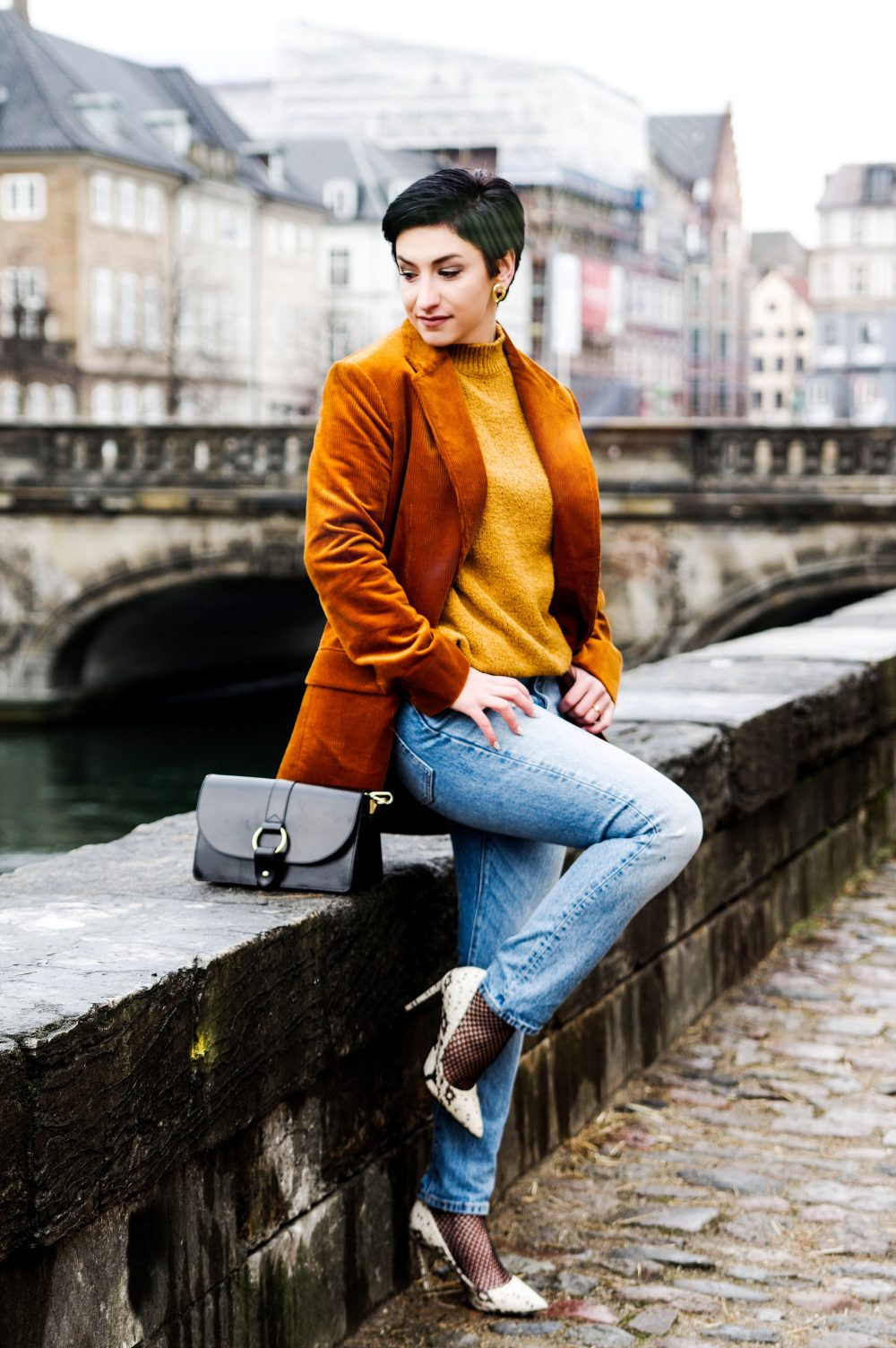 blazer look, corduroy blazer mango 2018, winter spring fashion 2018, streetstyle, scandinavian style, denim,sweater weather