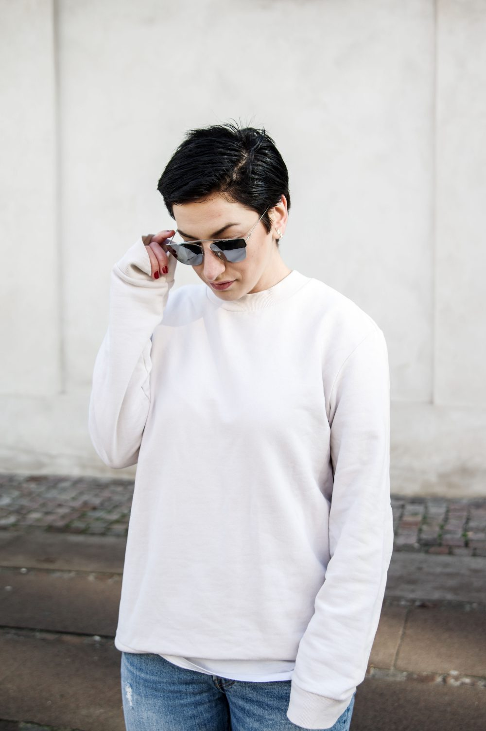 Scandinavian style, minimal streetstyle, copenhagen style, minimalistic style, coss stores, sweatshirt, short hair girl, dior sunglasses, casual outfit, spring outfit, outfit of the day