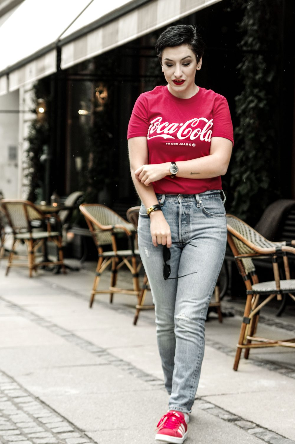 coca cola t shirt, spring outfit, streetstyle, scandinavian fashion