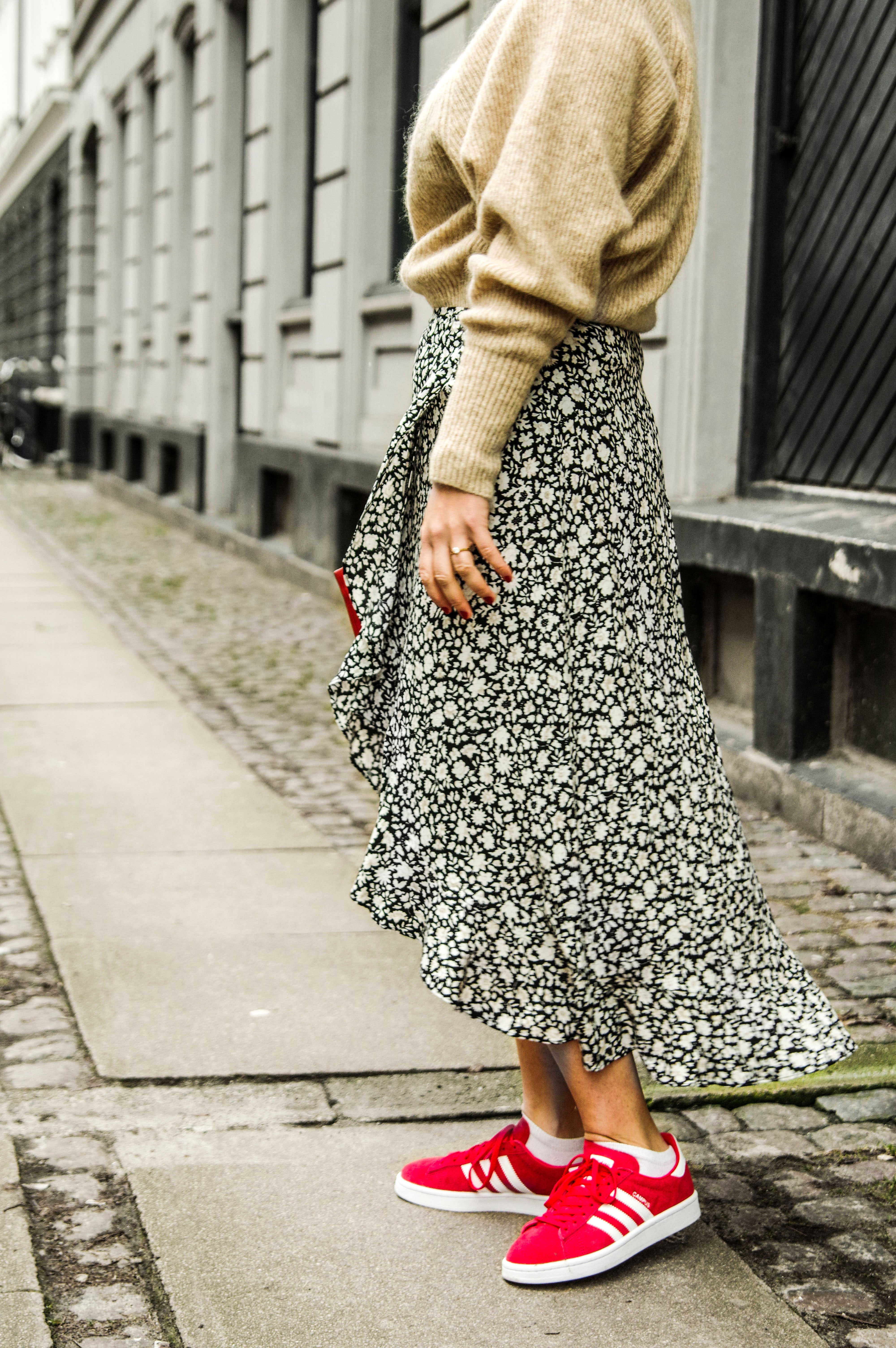 plead floral skirt scandinavian fashion, copenhagen streetstyle, how scandinavia changed my personal style 3