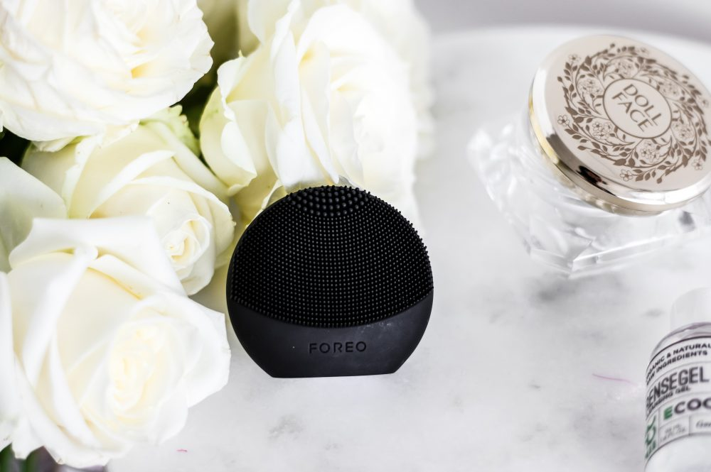 Foreo luna play plus, beauty device, facial cleaner, skincare routine