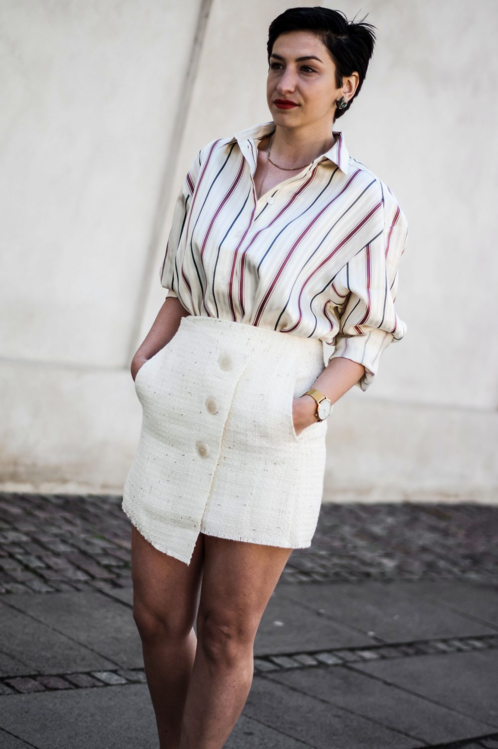work wear, what to wear at work, professional outfit, white skirt, spring blouse, bussines wear, spring fashion, women fashion, spring - summer style, outfit inspiration for work and spring 2 copy