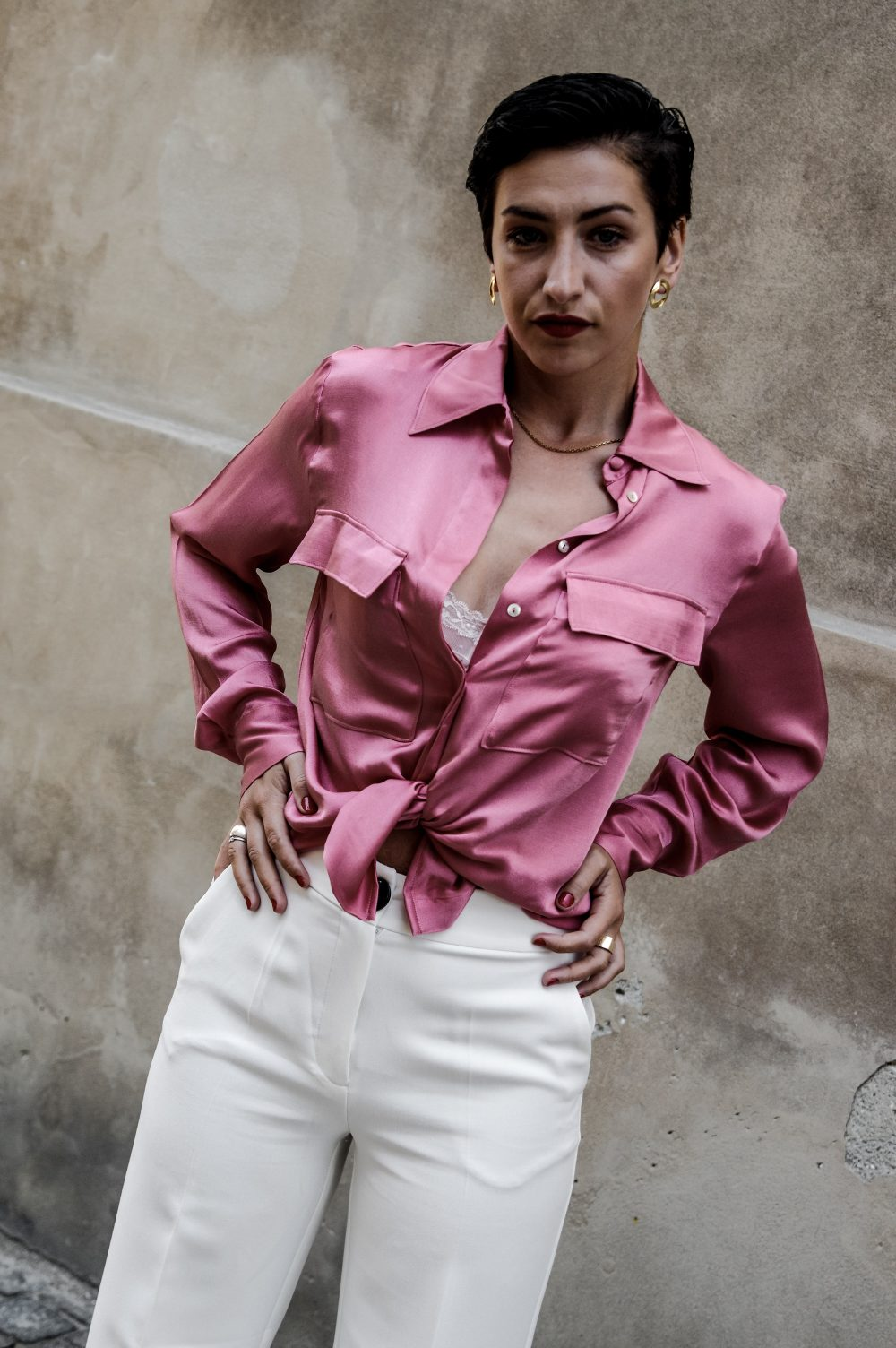 satin summer shirt blouse, mango shirt, work wear shirt,summer shirts and blouses for work and casual, summer fashion, summer style 2018, summer outfits, work wear summer outfits, mihabalan.com