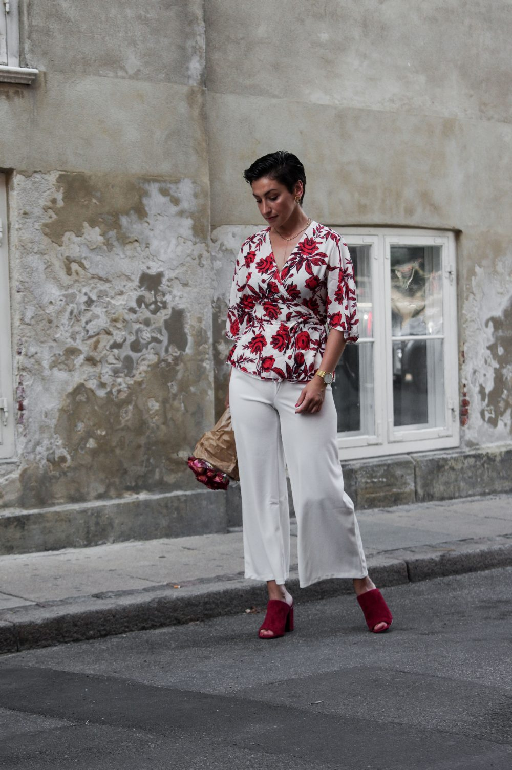 floral summer shirt blouse, Summer Stylish outfit, outfit idea for summer, boohoo shirt, work wear shirt,summer shirts and blouses for work and casual, summer fashion, summer style 2018, summer outfits, work wear summer outfits, mihabalan.com