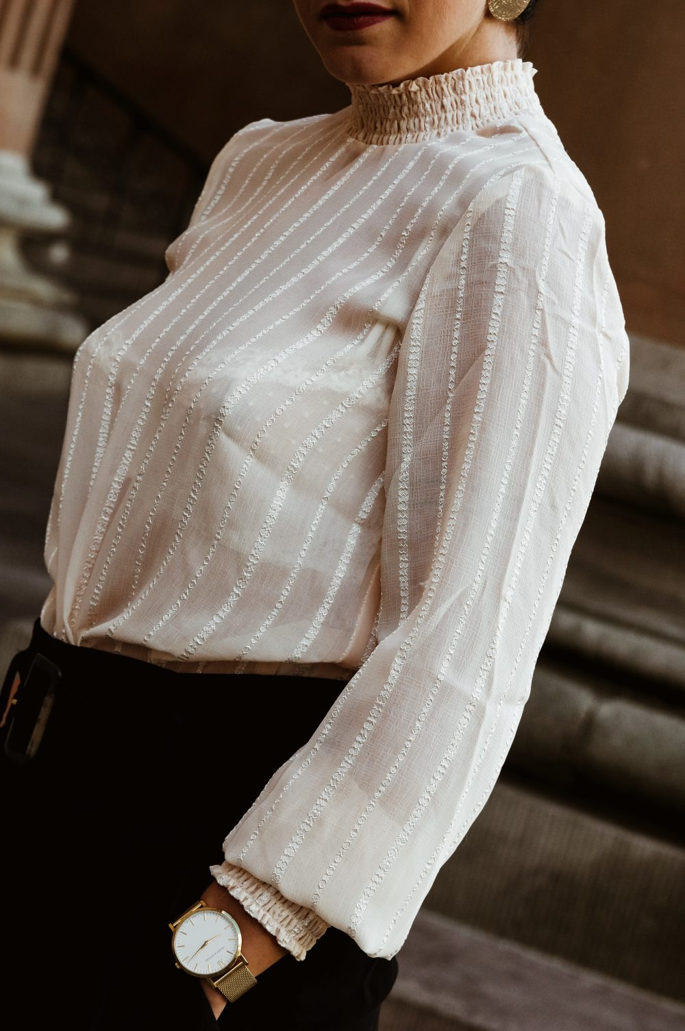 Pre-fall blouse, detailed blouse, work wear top, 2 stylish work wear outfits for pre-fall and fall 2018, fall fashion1.jpg